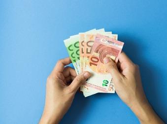 Fíni platia každý mesiac nezamestnaným 560 eur: Pozrite sa, aké sú zatiaľ výsledky experimentu