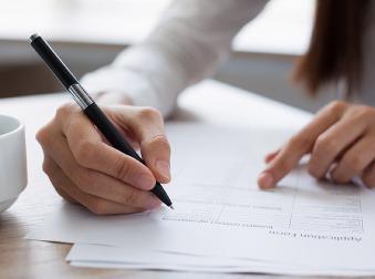 Personalistka, ktorej rukami prešlo 40-tisíc životopisov, prezrádza: Toto je 6 najotravnejších chýb vo vašom CV