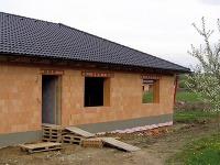 Hrubá stavba murovaná z