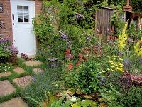 Aj vmenšej vidieckej záhrade