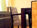 Jedálenské stoličky sú