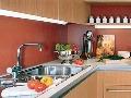 Vo farebnej kuchyni sa