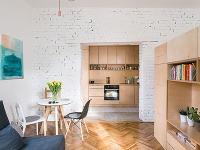 Pri rekonštrukcii svojho jednoizbového bytu ukázal mladý pár kreatívny prístup