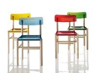 Ako vznikla jedna z najpredávanejších drevených stoličiek?