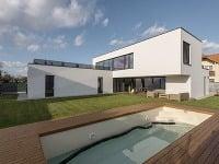 Elegancia, čisté tvary, funkčnosť: Nadčasový rodinný dom v Dunajskej Lužnej
