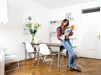 Aj s dvoma malými deťmi a náročnou prácou má svoj byt vyšperkovaný do dokonalosti