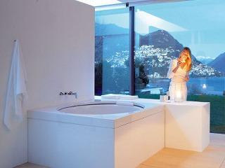 Kúpeľňa s výhľadom na