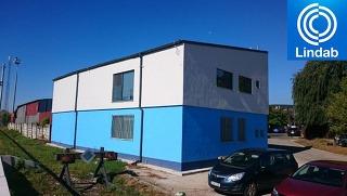 Montovaná nadstavba administratívnej budovy