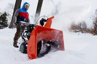 Snehové frézy: Narovnajte stuhnutý