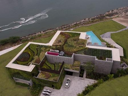 Luxusný dramatický dom, ktorý