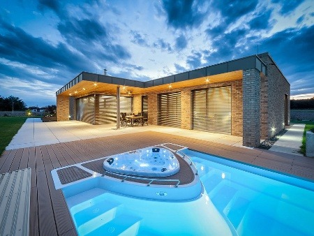 Praktický jednopodlažný dom s