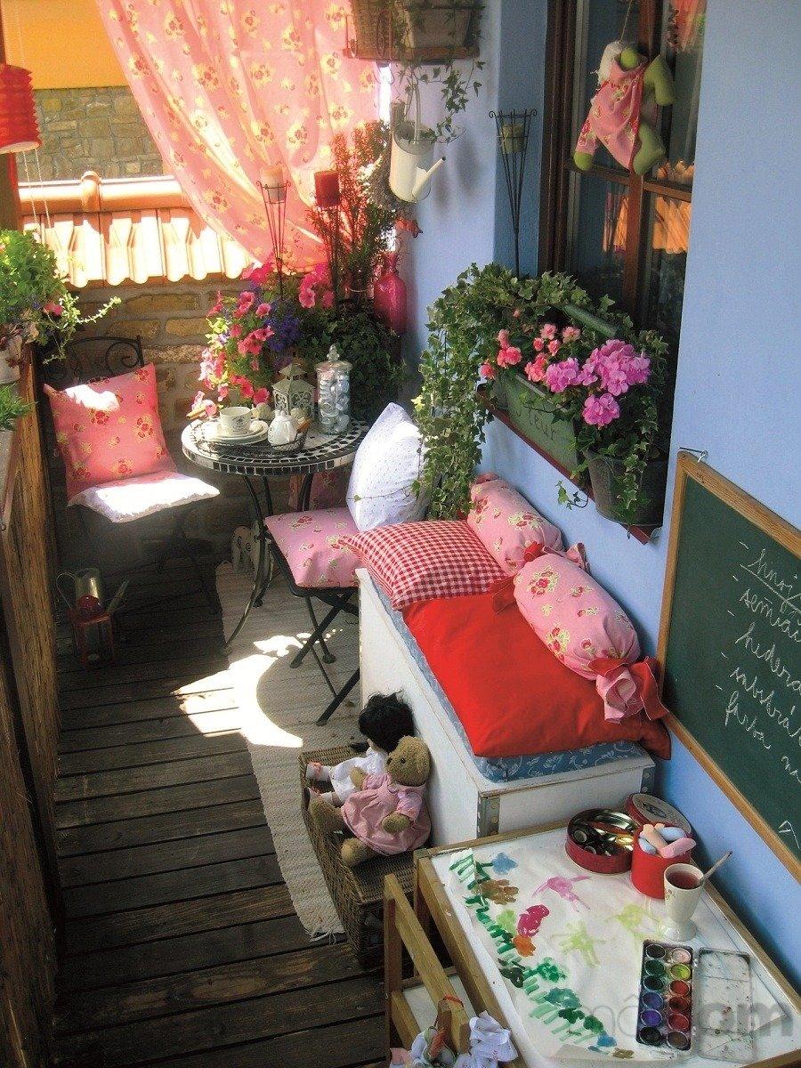 Три решения для детского уголка на балконе http://www.babyro.