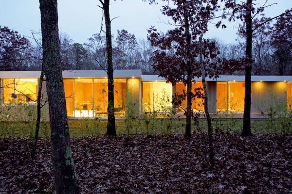 Hosťovské izby sa sklenenou