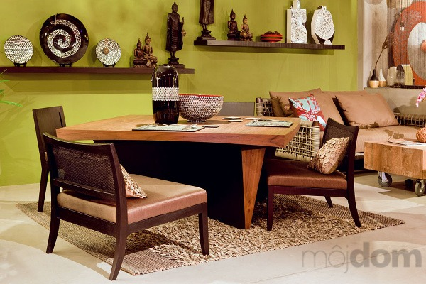 Jedálenský stôl wedge s prírodnou dyhou, v orechovom vyhotovení