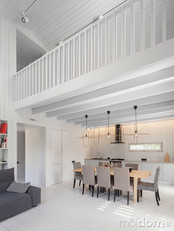 Architekt postavil jednoduchý drevodom