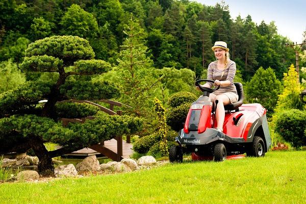 Záhradný traktor EXPERT 92.180
