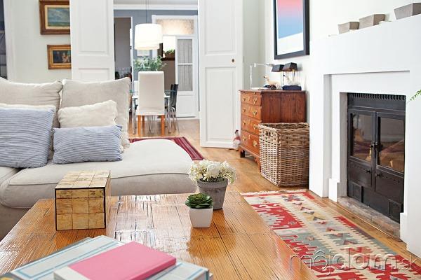 Obývačka vyskladaná ako obraz.
