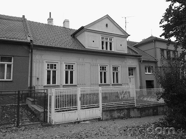 Dom z tridsiatych rokov