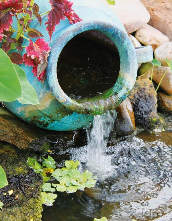 3 Žblnkotajúca voda... vnáša