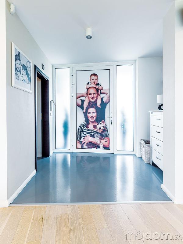 Liata podlaha účelne dotvára