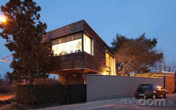 Desaťročný dom v Prievoze
