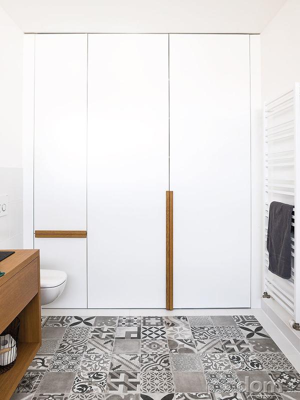 Skriňa v kúpeľni okrem