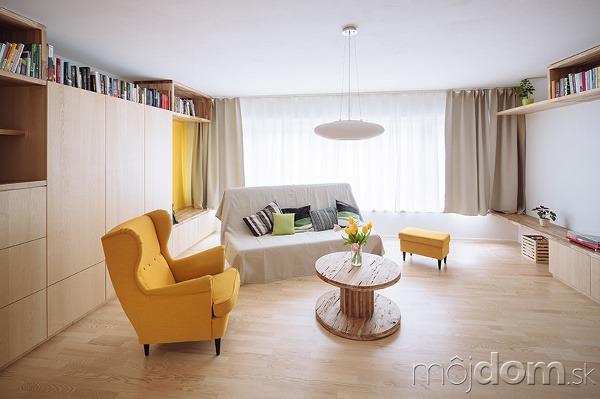 Dominantou interiéru je schodisko