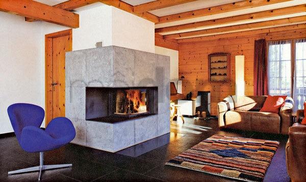 Tradičný interiér s tradíciou umiestnenia ohňa v strede