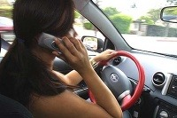 SMS a telefonovanie počas
