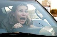 Žena za volantom - úžas v jej očiach neznamená, že ste perfektný vodič...