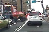 Motorkár skoro prišiel o hlavu...