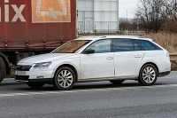Škoda Superb Combi testuje s kamuflážou