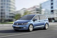 Nový Volkswagen Touran sa vo Wolfsburgu naozaj podaril
