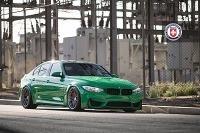BMW M3 v krikľavej zelenej