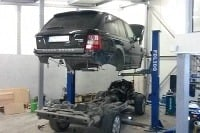 Oprava Range Rovera - karoséria dole