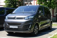 Peugeot Traveller a Citroen SpaceTourer