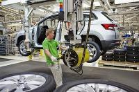 Škoda Karoq začína pršať z výrobnej linky