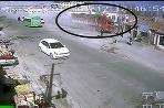 Kamión v Číne zdemoloval