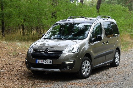 test citroen berlingo xtr blue hdi 120 majster v priestore zameran na rodinu. Black Bedroom Furniture Sets. Home Design Ideas