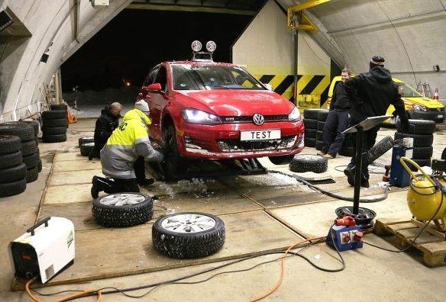 Zimné pneumatiky 225/45 R17