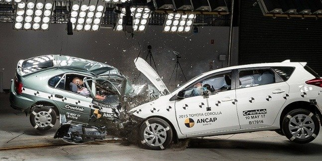crash test Corolla