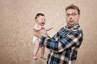 Neberte bábätko na ruky