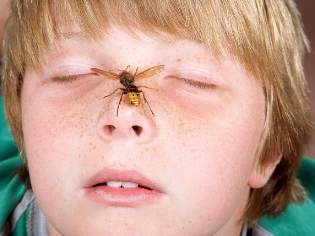 Alergická reakcia: Vystriekajte ústa