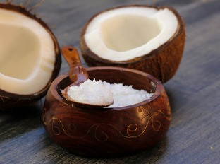 Kokosový olej si poradí
