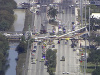 Na rušnú cestu sa zrútil most: VIDEO Šesť mŕtvych, ľudia zomierali v uväznených autách