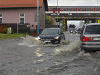 FOTO Poprad zasiahli prudké búrky: Zaplavené cesty, zasahovali aj hasiči