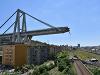 Zo zrúteného mosta v Janove sa ozýva vŕzganie, ľuďom zakázali vstup do oblasti