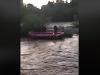 Rozzúrená rieka Kysuca uväznila rybárov: Na pomoc smerovali hasiči, VIDEO zo záchrannej akcie