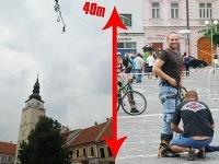 Poslanec Jozef Viskupič skočil zo 40 metrov.