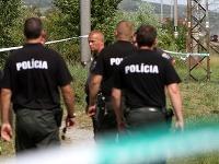 Mužovo zhorené telo ležalo asi 200 metrov od školy